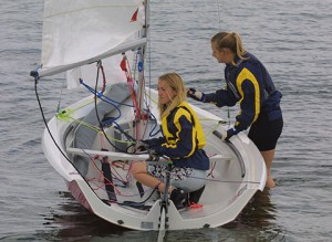 Adult sailing Level 1 Start Sailing Falmouth Mylor Sailing School